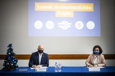 Dr. Homolya Róbert és Prof. Dr. Horváth Zita
