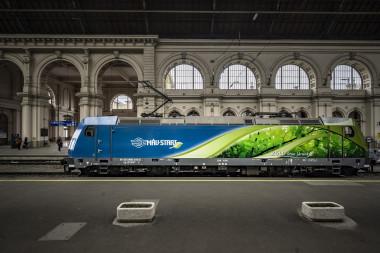 A MÁV-csoport zöld kampányát jelképező TRAXX mozdony