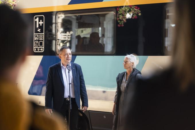 Stánicz János, a MÁV-START Vasútijármű javítási igazgatója a miskolci bemutatón