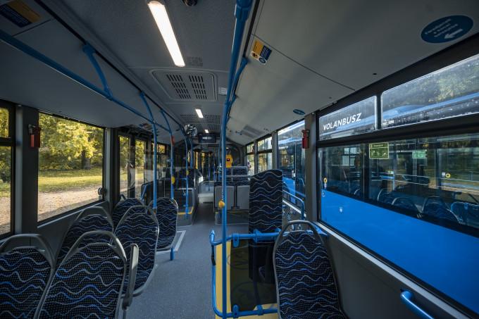 Volánbusz átadás_busz beltér